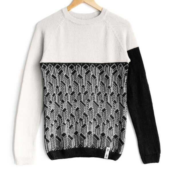 sweater City White top Black bottom